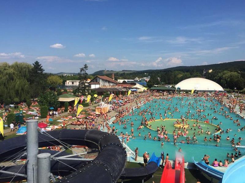 """Vizualizati imaginile din articolul: Complexul de Agrement """"Mureşul' - Week-end - din Tîrgu Mureș s-a bucurat în acest sezon estival de peste 100.000 de oaspeți !"""