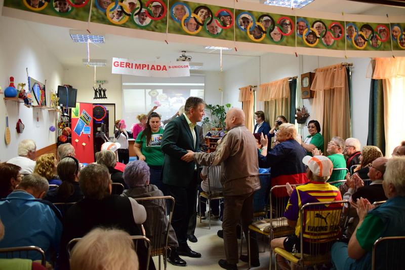Vizualizati imaginile din articolul: Ziua internațională a persoanelor vârstnice, marcată și la Tîrgu Mureș