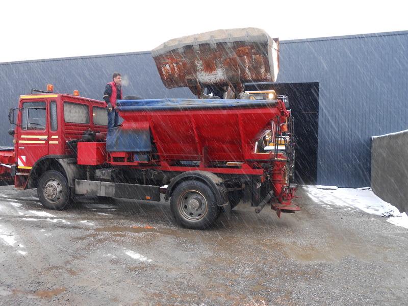 Vizualizati imaginile din articolul: A hóeltakarítási munkálatok javában zajlanak Marosvásárhelyen