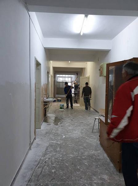 Vizualizati imaginile din articolul: Javítási munkálatok a marosvásárhelyi Avram Iancu Technológiai Líceumban
