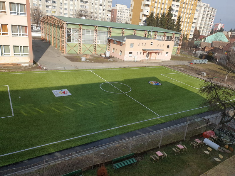 Vizualizati imaginile din articolul: Teren artificial, omologat de Federația Română de Fotbal, la Târgu Mureș!