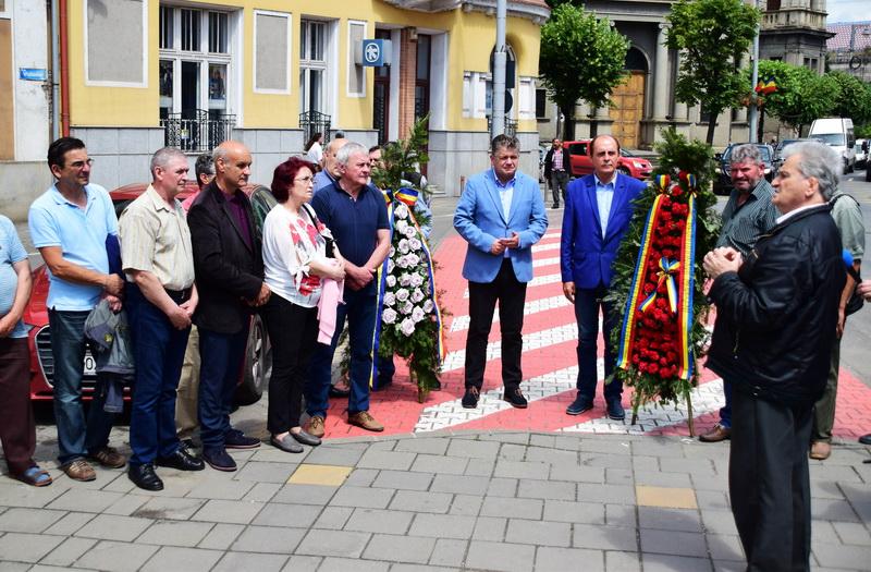 Vizualizati imaginile din articolul: Eroii Revoluției comemorați la Târgu Mureș!