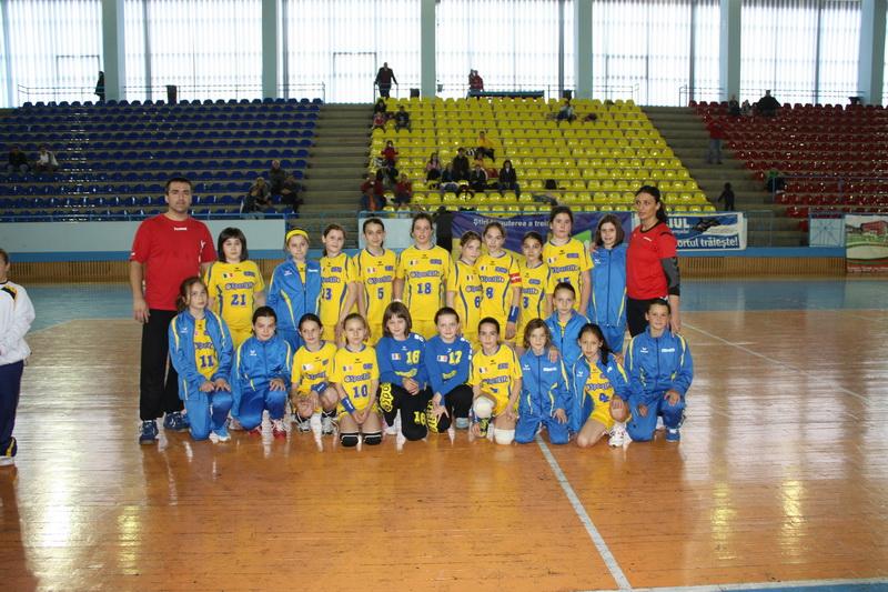 Vizualizati imaginile din articolul: Primul Turneu Final de Handbal Juniori organizat la Tirgu Mures din istoria handbalului muresean