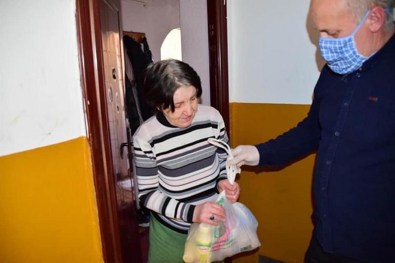 Vizualizati imaginile din articolul: Szolidaritás a polgárokkal! Marosvásárhely Polgármesteri Hivatala és a Marosvásárhelyi Szociális Igazgatóság a közösség mellett!