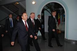 Vizualizati imaginile din articolul: Preşedintele Ungariei, Pal Schmitt, în vizită la Primăria Tîrgu-Mureş