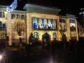 Karácsonyi dalok a polgármesteri hivatal erkélyén