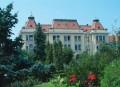 Continuă lucrările  specifice  în parcurile şi zonele verzi ale municipiului